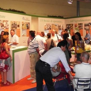 "MOSTRA ""15 storie di speranza...dall'Agroalimentare"", MEETING DI RIMINI 2012"