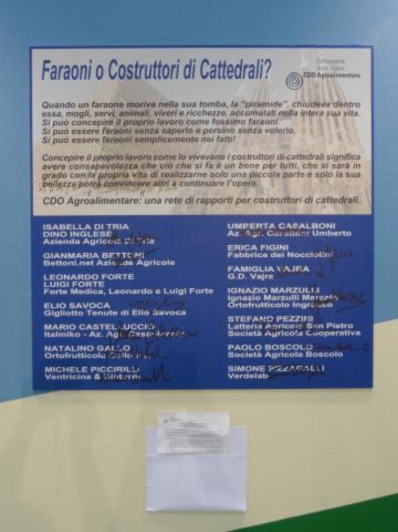 Costruttori di Cattedrali o Faraoni? La mostra di CDO Agroalimentare al Meeting di Rimini